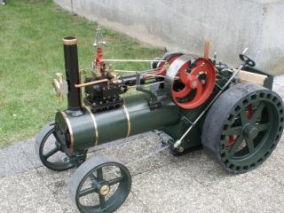 Tracteur à vapeur