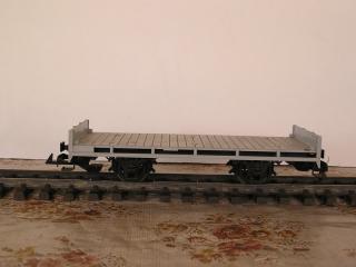 Plat à essieux gris 4001